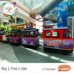 [Westgate Mall] All aboard!
