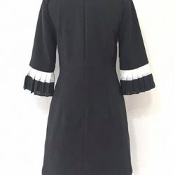 [Que Sera] A comfy black and white dress with sleeves.