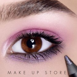 [MAKE UP STORE] Romance never goes out of style 🌸 Get this Look : MakeUpStoreCosmetics 12 Shades of Pink palette + Eye Pencil Electric Storm + Microshadow
