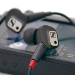[Stereo] Based on the acclaimed IE 80, the NEW Sennheiser IE 80 S takes the striking combination of aesthetic design and
