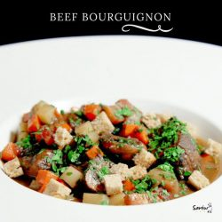 [Saveur Art] Chock-full of tender beef, our tasty beef bourguignon will satisfy hungry palates and leave you longing for more!