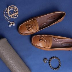 [Lucca Vudor] Packing shoes in a suitcase is akin to playing real life tetris because they are bulky, irregular in shape and
