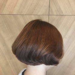 [Pro Trim Hair Salon] To celebrate the upcoming Christmas Holidays 🎄 with your family and friends, the C curve Bob is just the right style