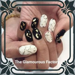 [The Glamourous Factory] Don't we all just love black and white.