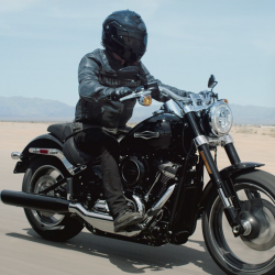[Harley-Davidson] Cruise through the concrete jungle or conquer the wide open roads.