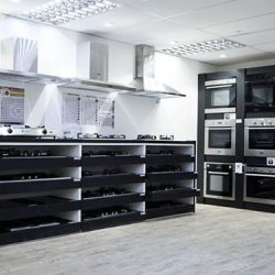 [SIM SIANG CHOON] Pros & Cons of Gas Cookers and Electric Cookers As you begin your journey in choosing between electric and gas cookers,