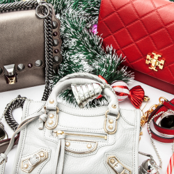 [American Express] Still looking for a bag to match that Christmas outfit?