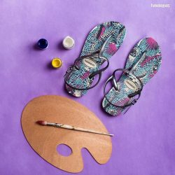 [H - The All Havaianas Store] Get artsy-fartsy with the nature print on a pair of Freedom Slim Print.