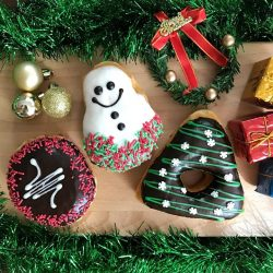 [Dunkin' Donuts Singapore] Deck the halls with lots of Dunkin'!
