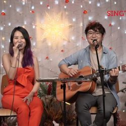 [Singtel] Tonight, on the special Christmas edition of Singtel Music Live, we bring you Tay Kewei, a multi-talented singer/song-