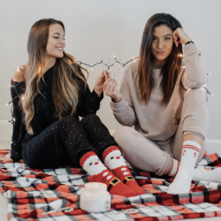 [Aeropostale] cozy holiday favorites 🎄  get these looks for you & your bff with our 60% off sale  http://bit.