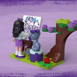 [Babies'R'Us] Use the scooter to tow LEGO® Friends Emma's Art Stand wherever you like with this cool toy for kids.