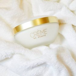 [Guerlain] Time to get home, get cosy and cleanse the day away.