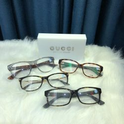 [United Optometrist] Gucci eyewear are crafted with high quality materials and great attention to detail.